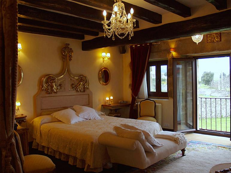 Dormitorio Palacio de La Rañada (Ajo)