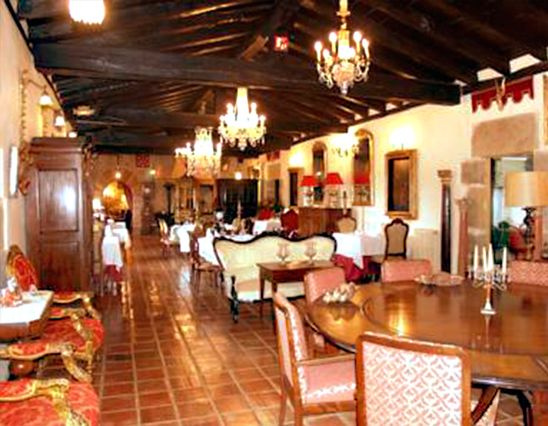 Interior Palacio de Rañada (Ajo)